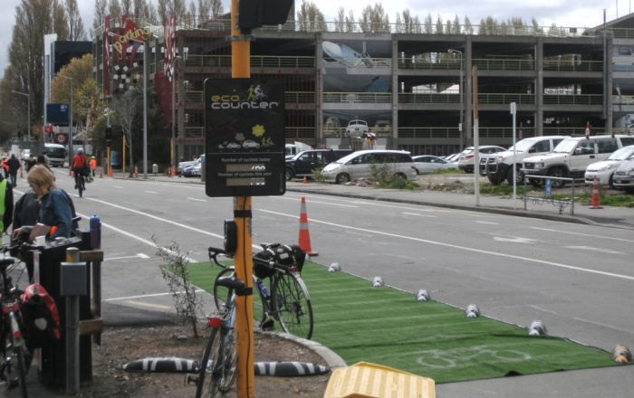 "The cycle counter display at the Dutch intersection registered over 900 riders across the sensors - and what did you think of those ""zebra"" cycleway separators?"